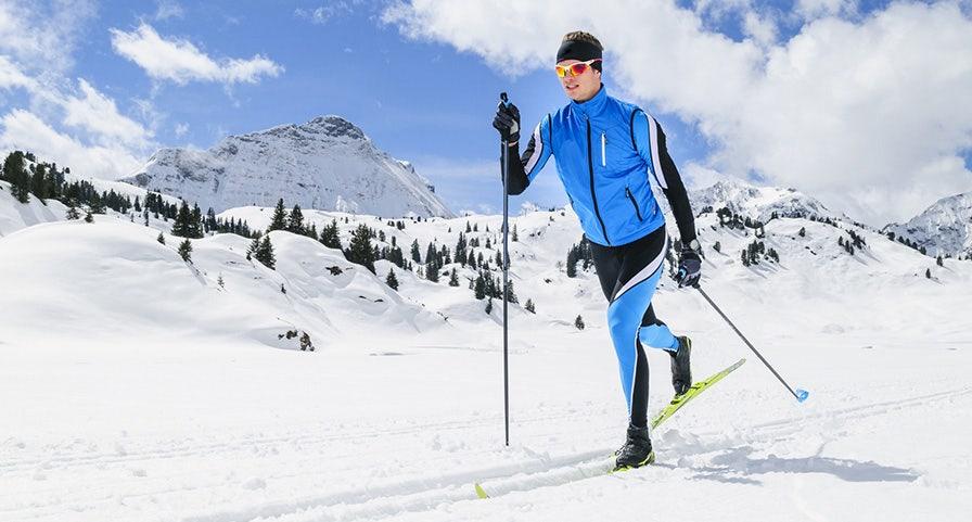 Xavier Thevenard en train de faire du ski de fond