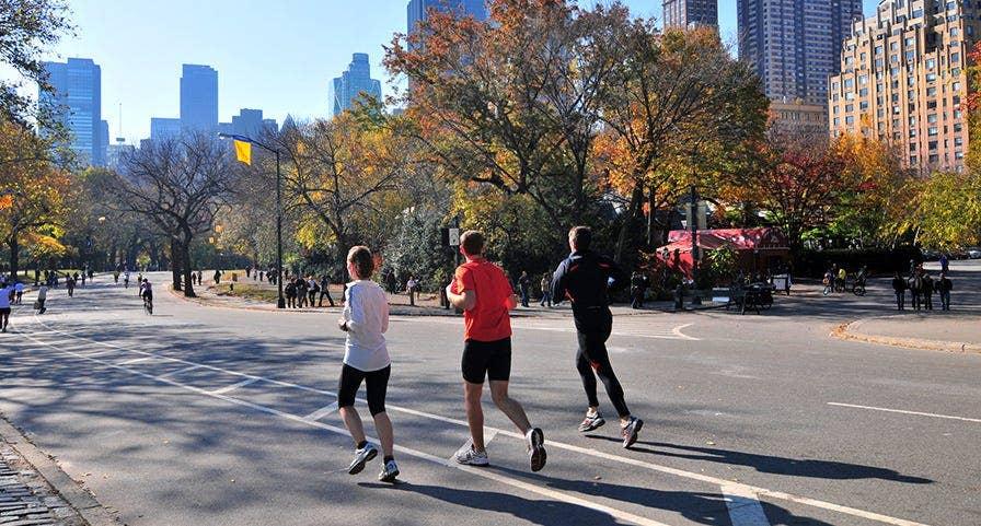 Runners à Central Park s'entrainant pour le marathon