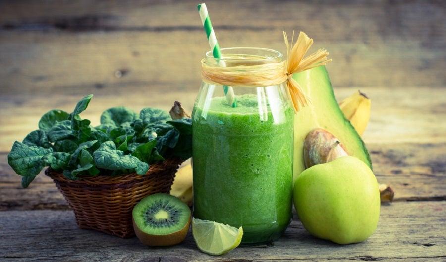 smoothie green kiwi avocat epinard pomme